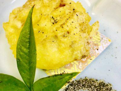 鰻真丈のふわふわ揚げ あおさ塩で・・・(初夏コースの料理)